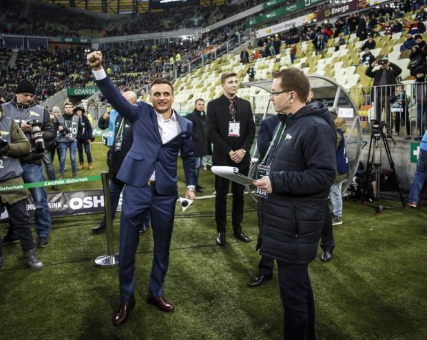 Sławomir Peszko (z lewej) może zrzucić garnitur i wrócić do gry w ekstraklasie już w najbliższą sobotę.