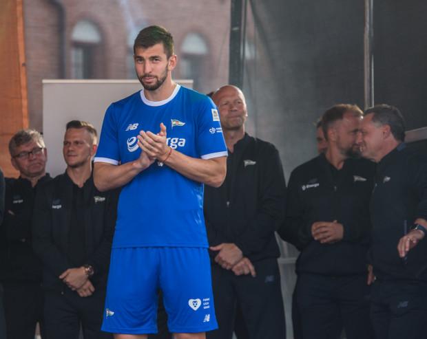 Dusan Kuciak znów był w kapitalnej formie. W Szczecinie z pewnością zatarł złe wrażenie z Wrocławia, gdzie dwa jego błędy zaważyły na porażce 2:3. Punkt Lechii Gdańsk w meczu z Pogonią to jego największa zasługa.