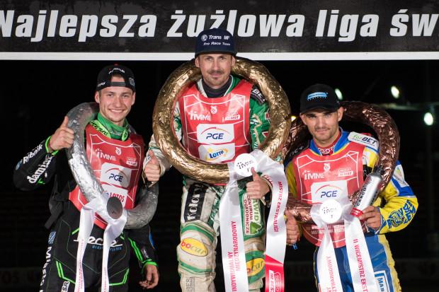 Podium IMME 2017 w Gdańsku. Pierwszy Leon Madsen (w środku), drugi Kacper Woryna (z lewej) i trzeci Bartosz Zmarzlik (z prawej).