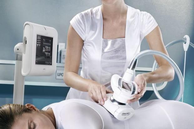 Kliniki medycyny estetycznej proponują coraz więcej metod, które mają za zadanie pomóc nam w pozbyciu się niechcianych kilogramów.