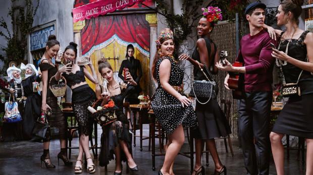 Filmowe klasyki i kinowe nowości mają wpływ na przemysł mody, stając się ciekawym źródłem inspiracji.