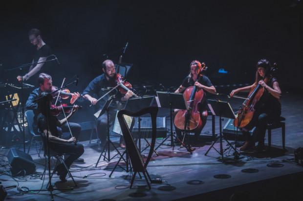 """Grupa Echo Collective pod kierownictwem Neila Leitera przedstawiła absolutnie unikatową interpretację albumu """"Amnesiac"""" grupy Radiohead."""