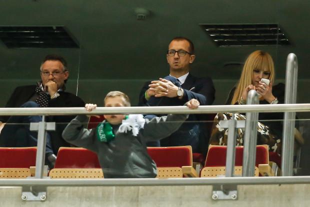 Marek Józwiak (w środku) nie komentuje doniesień w sprawie jego zwolnienia. Lechia utrzymuje, że żadne decyzje w sprawie zmian w dziale skautingu jeszcze nie zapadły.