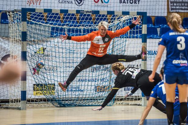 Obrona Małgorzaty Gapskiej w ostatniej sekundzie spotkania uratowała Vistalowi komplet punktów w meczu na inaugurację sezonu 2017/2018.