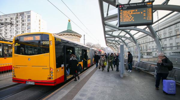 Warszawski model taryfowy skierowany jest przede wszystkim do pasażerów korzystających z biletów długookresowych. Bilety jednorazowe są tu dość drogie.