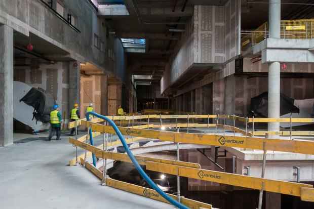 Wnętrze przyszłego centrum handlowego.