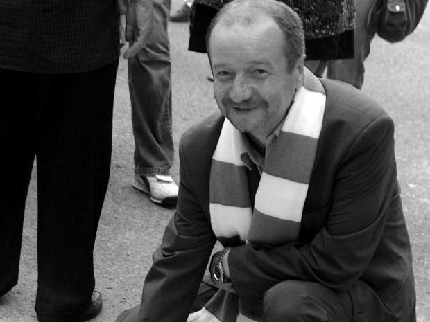 Ryszard Polak w 2005 roku, gdy odsłaniał swoją gwiazdę w alei zasłużonych Lechii Gdańsk.