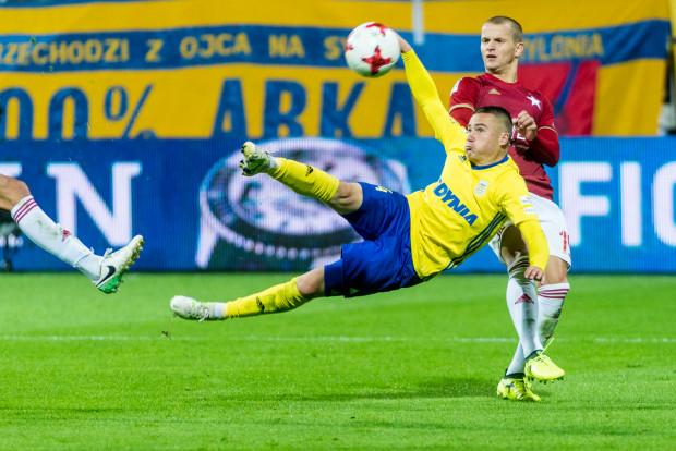 Michał Nalepa w meczu z Wisłą Kraków próbował strzelić gola przewrotką.