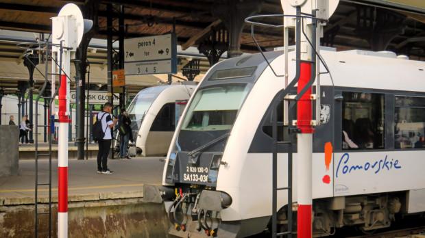 Pociągi PKM obecnie odjeżdżają z peronu 4.