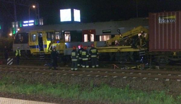 Do zderzenia drezyny i stojącego pociągu towarowego  doszło po godz. 22, na wysokości stacji Wzgórze św. Maksymiliana.