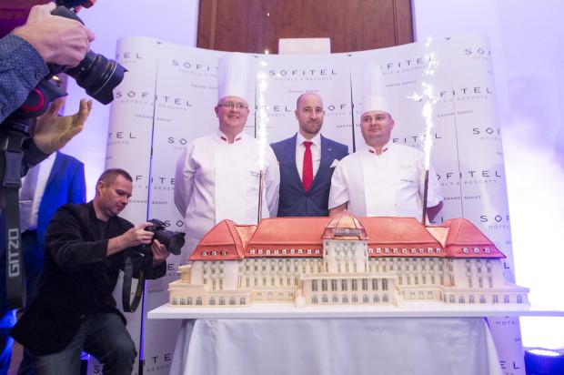 Blisko 250 gości bawiło się na 90. urodzinach Sofitel Grand Sopot.  Na zdjęciu: Tomasz Koprowski, Gregory Millon i Seweryn Pajdak.