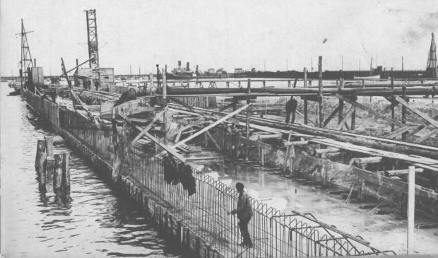 Budowa Portu Gdynia. Nabrzeże Szwedzkie.