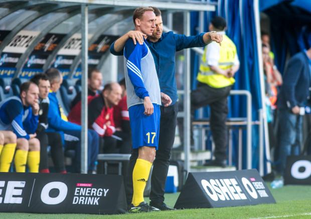 Leszek Ojrzyński w oficjalnych meczach sprawdził 26 z 28 piłkarzy, których ma w kadrze pierwszej drużyny. Najwięcej, gdyż 14 z 15 spotkań rozegrał Adam Marciniak (na zdjęciu z trenerem).