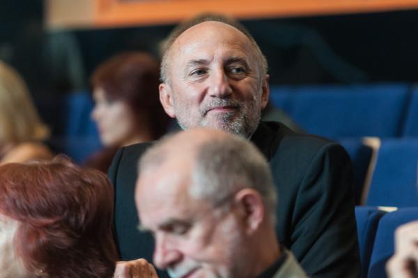 Towarzyszy mi nie mniejsza trema niż wtedy, gdy obejmowałen stanowisko dyrektora. Odpowiedzialność za tak duży zespół jest odczuwalna - mówi Igor Michalski, dyrektor Teatru Muzycznego w Gdyni.