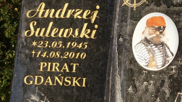 Grób Andrzeja Sulewskiego na cmentarzu Garnizonowym w Gdańsku.