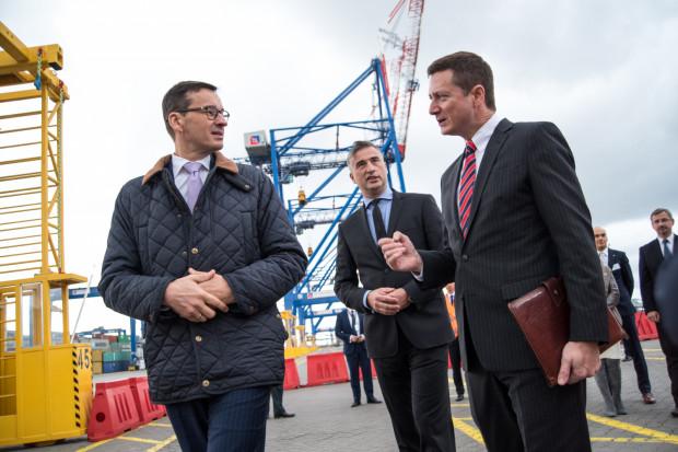 W październiku 2017 r. przypada dziesięciolecie działalności operacyjnej DCT Gdańsk. Z tej okazji do DCT przybył wicepremier Mateusz Morawiecki, którego po terminalu oprowadził prezes Cameron Thorpe.