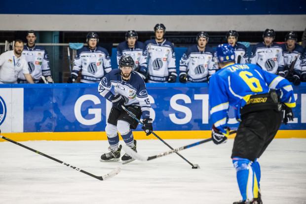 Po powrocie do Gdańska Marek Wróbel zdołał rozegrać tylko trzy mecze. Niestety na kolejne będzie musiał poczekać do kolejnego sezonu.