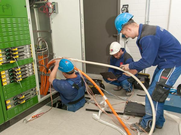 Kolejne wyzwania to kolejne miejsca pracy. Firma wciąż poszukuje elektryków i elektromonterów.