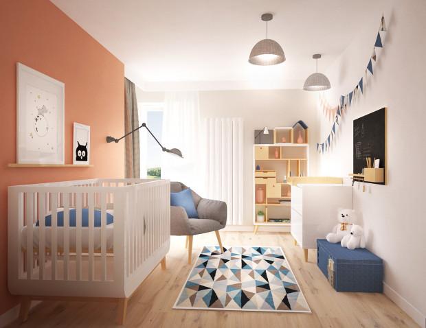 Koncepcja pierwsza. Obok łóżka znalazł się wygodny fotel. Na pewno okaże się on bardzo przydatny w pierwszym okresie życia dziecka.