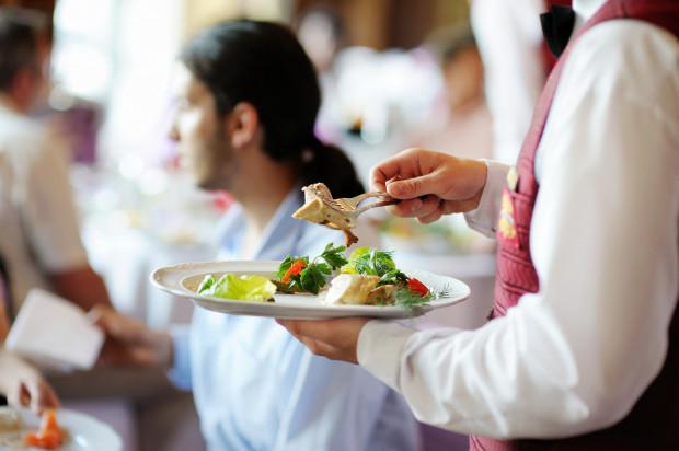 Wśród festiwalowych propozycji znalazły się przeróżne dania kuchni polskiej i międzynarodowej. Znajdziemy autorskie przepisy szefów kuchni na mięsa, ryby, owoce morza czy dania kuchni roślinnej.