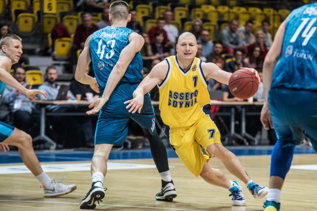 Wygląda na to, że Krzysztof Szubarga lubi grać w Toruniu. W poprzednim sezonie rzucił w tamtejszej hali 42 punkty, a w poniedziałek zdobył w niej 24 punkty.