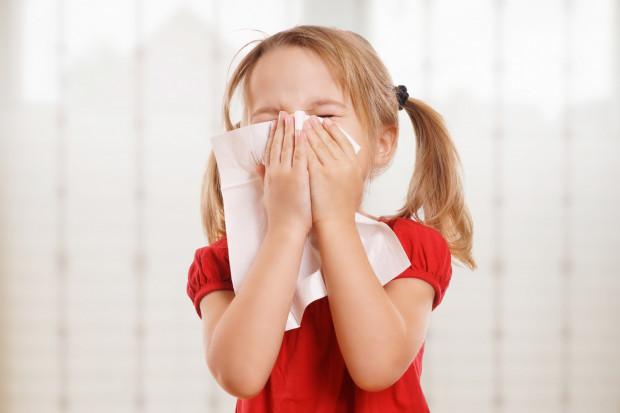 Nadchodzi sezon infekcji. Co zrobić, żeby wzmocnić odporność dziecka?