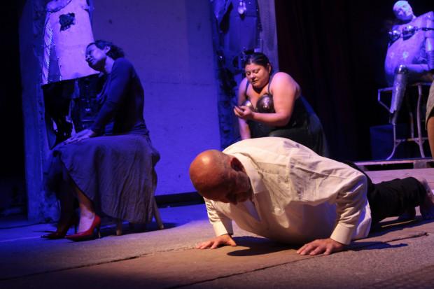 """Festiwal Windowisko zainauguruje """"Hartowanie JA/na"""" w wykonaniu Teatru Błękitna Sukienka, który obejrzymy piątek 21.10 w Malarni Teatru Wybrzeże."""