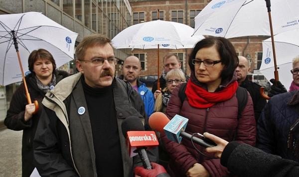 Piotr Dwojacki w trakcie kampanii wyborczej Gdańska Obywatelskiego w 2014 r. Po prawej Ewa Lieder.