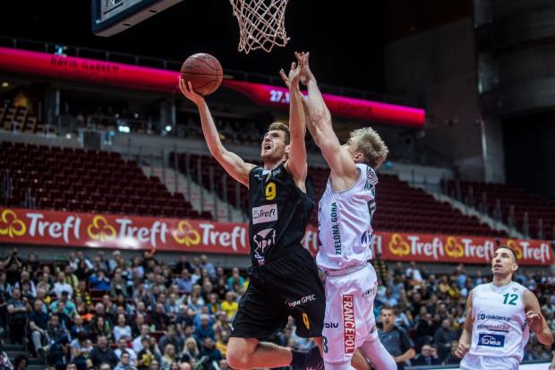 Jakub Karolak jest jednym z najlepiej rzucających koszykarzy Trefla. W tym sezonie trafia rzuty z gry ze skutecznością 54,5 proc.