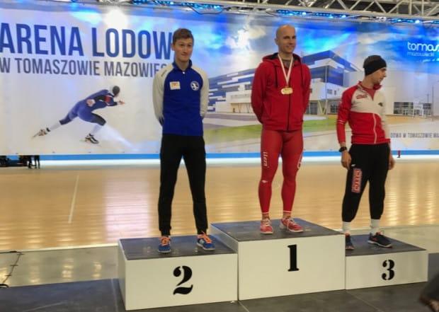 Marcin Bachanek ze srebrnym medalem mistrzostw Polski seniorów biegu masowego mężczyzn.