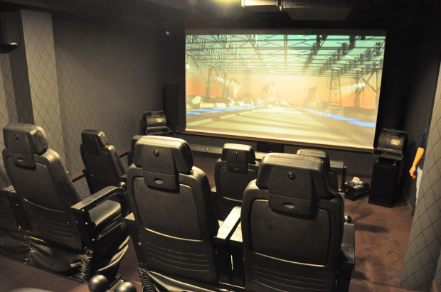W Centrum Multimedialnym 5D Funmotion filmy trzeba będzie oglądać z zapiętymi pasami...