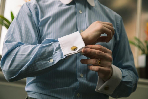 Koszula to niepozorny lecz niezwykle istotny element garderoby współczesnego dżentelmena.