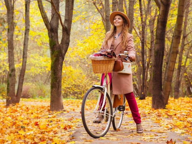 Miejski ubiór na rower może być tak samo modny jak na spacer