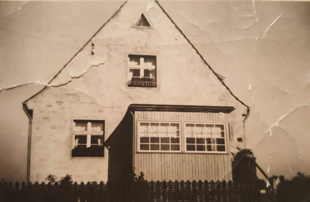 Typowy dom mieszkalny w Małej Warszawie, czyli na osiedlu Mühlenhof Seidlung. Tu na ul. Słupskiej.