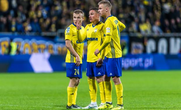 Łukasz Kowalski uważa, że Michał Nalepa (w środku) za 2-3 lata będzie stanowił o sile Arki, jeśli w klubie będą na niego stawiać. Co do postawy Mateusza Szwocha (z prawej) w rundzie jesiennej widział poprawę.