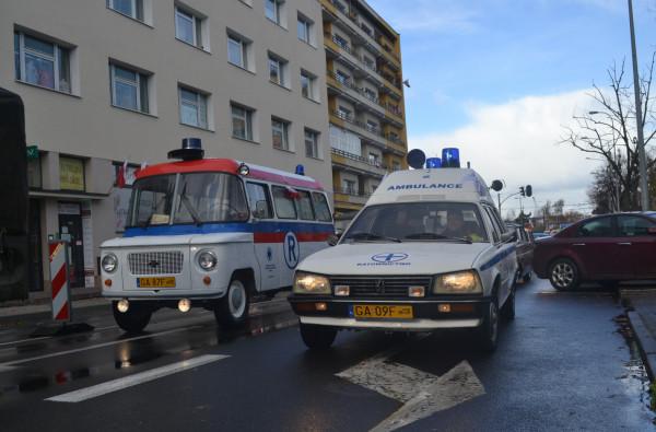 Kolekcja zabytkowych ambulansów należąca do pana Marka jest większa. Pasjonat posiada również Peugeota 505 Heuliez z 1984 roku, który niegdyś pełnił rolę karetki zakładowej w Stoczni im. Komuny Paryskiej w Gdyni.