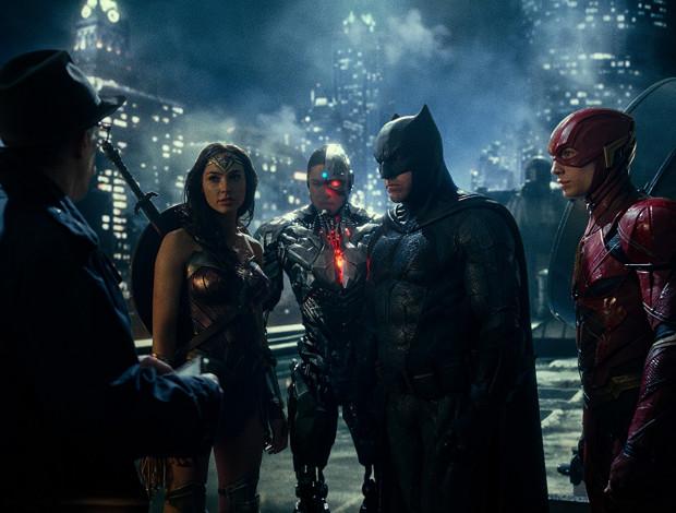 """W """"Lidze Sprawiedliwości"""" w końcu DC udało się zrzucić nieco przyciężki klimat na rzecz improwizowanego humoru. Z pożytkiem dla tempa opowieści. Nie zabrakło jednak nadmiernego patosu, realizacyjnego chaosu i bezmyślnego zakończenia. Pojawiła się mimo wszystko nadzieja, że monopol Avengersów może przerodzić się w równą filmową walkę pomiędzy Marvelem a DC."""