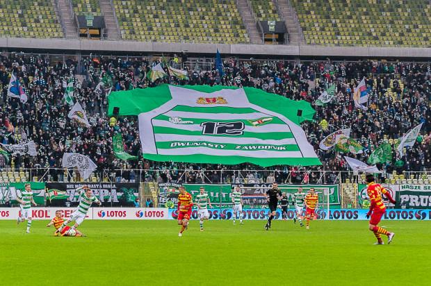 Nie tylko takiej sektorówki, ale przede wszystkim tłumów na trybunach już dawno nie było na meczach piłkarzy Lechii. Czy biało-zielonym uda się poprawić frekwencję przed końcem roku?