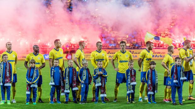 Odpalenie rac na trybunach w czasie meczu eliminacji Ligi Europy było jednym z powodów ukarania Arki przez UEFA.