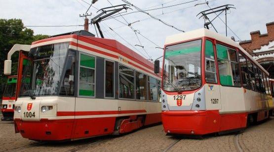 Bez trudu będzie można wrócić z imprez sylwestrowych zaplanowanych w centrum Gdyni i Sopotu. Po północy wyjadą tramwaje i autobusy. Niewiele będzie jednak pociągów SKM.