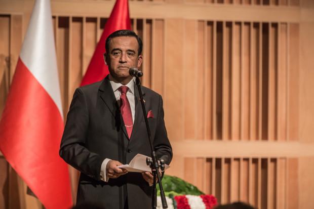 Imprezę zaszczyciło swoją obecnością wielu znamienitych gości, m. in. ambasador Peru w Polsce Alberto Salaz Barahona, który poinformował, że Florez od lat angażuje się w działalność charytatywną.