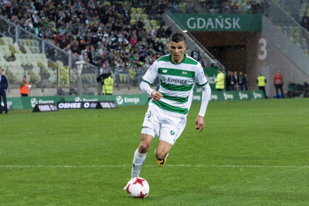 Patryk Lipski (na zdjęciu) ma w drugiej linii Lechii sporą konkurencję. Trener Adam Owen chce przemianować go z pozycji ofensywnego na defensywnego pomocnika.