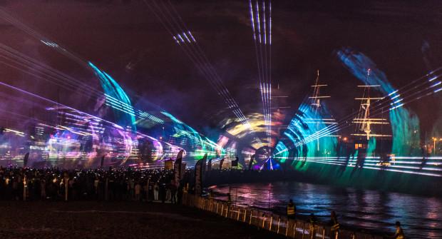 Sporo działo się także na plaży, gdzie zgromadzeni mogli uczestniczyć w pokazie audiowizualnym. W tym roku będzie podobnie.