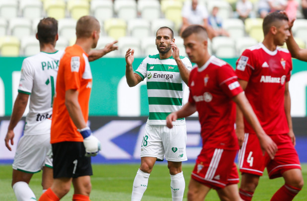 Podobnie jak w Gdańsku, także i w Zabrzu w tym sezonie Lechia zremisowała z Górnikiem 1:1. Na zdjęciu strzelcy goli dla biało-zielonych: Marco Paixao (z prawej) w pierwszym spotkaniu i Flavio Paixao w drugim.