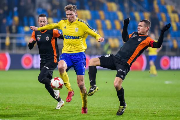 Michał Żebrakowski przyczynił się do wyeliminowania Chrobrego Głogów i awansu Arki Gdynia do półfinału Pucharu Polski, w którym czeka Korona Kielce. Jednak na kolejny mecz ligowy nie pojechał.