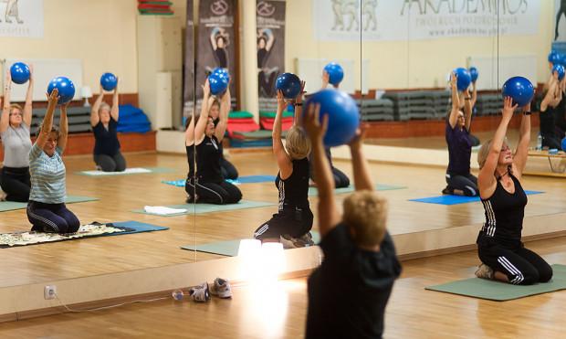 W Trójmieście mamy coraz więcej zajęć fitness dla aktywnych seniorów.