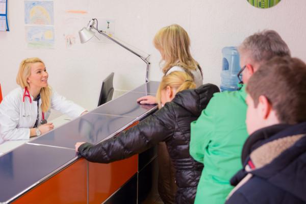 Zmiany wprowadzone 1 października br. miały usprawnić Nocną Obsługę Chorych. Zdaniem pacjentów tak się jednak nie stało.