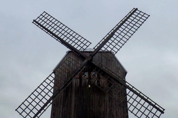 Wędrówka do kaszubskiego wiatraka na Górze Sobótce