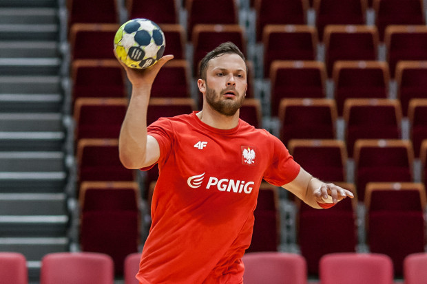 Mateusz Wróbel (na zdjęciu) to jedyny szczypiornista trójmiejskich klubów w obecnej reprezentacji Polski. Z powodu kontuzji wypadł z niej Adrian Kondratiuk.