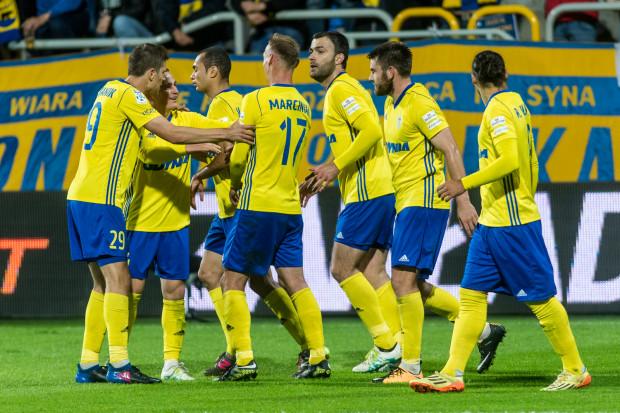 Piłkarze Arki Gdynia w dobrych nastrojach udali się na urlopy, a z większością z nich klub zamierza przedłużyć kontrakty.
